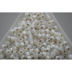 Toho R6-2100, Silver-Lined Milky White, 10g