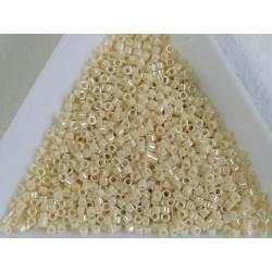 Delica DB157 - Opaque Cream AB - margele Miyuki Delica11 - 5g