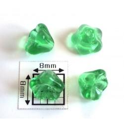 Clopotei cca 6x8 mm - margele sticla presata Cehia flori - verde deschis transparent (10 buc).