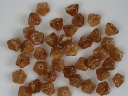 Clopotei 4 x 6 mm - margele sticla Cehia - culoare maro/crem (10 buc) .