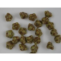 Clopotei 7 x 7 mm tip nasture - margele sticla Cehia - culoare maro/verde (10 buc) .