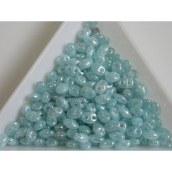 Superduo /- margele sticla Cehia forma superduo 2.5 x 3 x 5 mm culoare luster milky aquamarine (5 gr) T123
