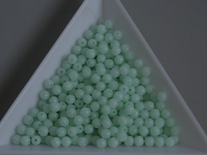 Margele sticla presata rotunde 3mm, opaque pale turquoise (5g)