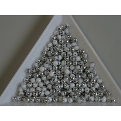 Margele sticla presata rotunde 3mm, chalk white silver (5g)