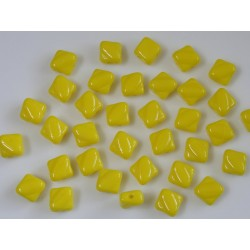 Margele sticla Cehia silky 6 mm, opaque yellow (10 buc)