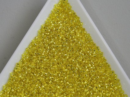 Toho R15-32, Silver-Lined Lemon, 5g