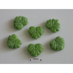 FR96 - margele frunza, opaque green silk ,10 buc