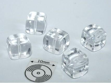 Margele sticla Cehia cub cca 8.20 x 7.60 mm culoare cristal (4 buc).
