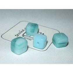Margele sticla Cehia cub 5.50 x 5.50 x 6.20 mm culoare alb/verde (10 buc).