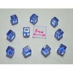 Margele sticla China cub cca 4 x 4 mm culoare albastru transparent (10 buc).