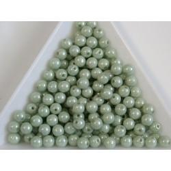 Margele sticla presata rotunde 4mm, opaque lt. green ceramic luster (10g)