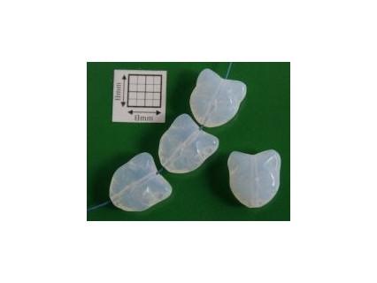 Margele sticla Cehia forma cap de pisica 12.60 x 11.50 x 6.50 mm culoare alb laptos (2 buc).