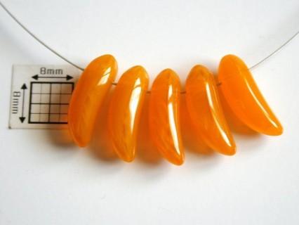 Margele sticla Cehia forma banana 17.50 x 6 mm culoare orange (2 buc).