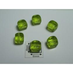 Margele sticla Cehia forma cub 7 mm culoare verde peridot (10 buc).