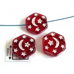 Margele sticla Cehia forma hexagon cca 12 x 3.50 mm culoare rosu transparent gravat model argintiu (4 buc).