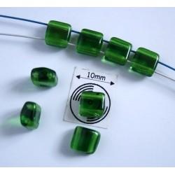 Margele sticla Cehia forma silky arc cca 6 x 3.50 mm culoare verde (10 buc).