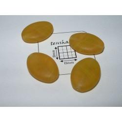 Margele sticla Cehia oval 16 x 12 x 5 mm culoare galben inchis mat (2 buc).