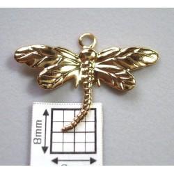 Charm alama placata cu aur model libelula 26x15 mm (1 buc).