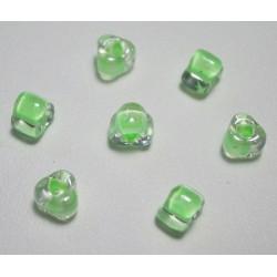 Margele sticla Miyuki triunghi 5/0, culoare int. verde deschis, culoare ext. cristal clar, 5g